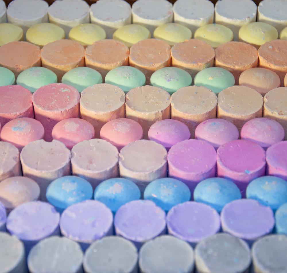 100-piece-sidewalk-chalk